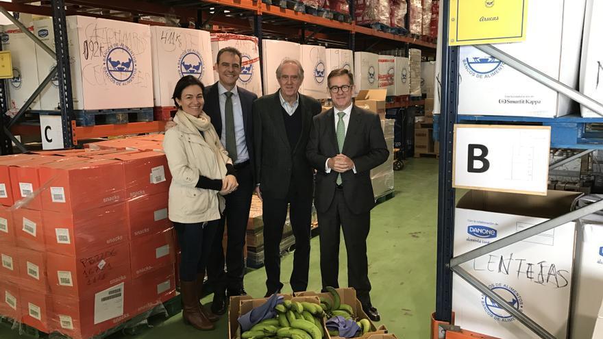 Entrega de la ayuda al Banco de Alimentos de Las Palmas