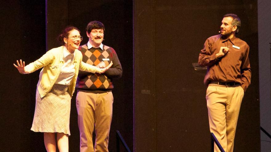 """Teatro Indigesto """"Podemos conseguirlo"""" en el Concurso Circuito Café Teatro 2015. 1º Premio."""