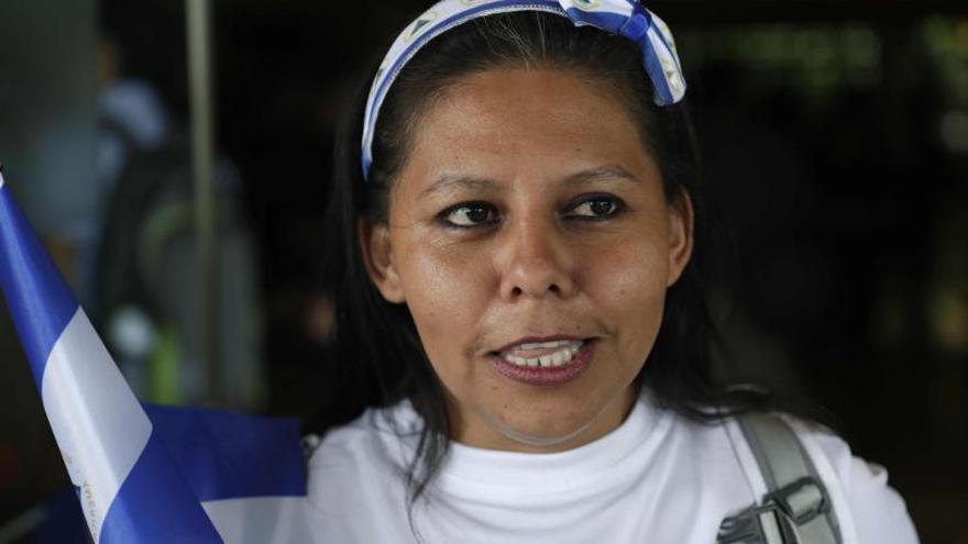 """Fotografía fechada el 17 de enero de 2020 de la manifestante Giselle Ortega Cerón, alias """"La Taylor"""", durante una conferencia de prensa en Managua (Nicaragua)."""