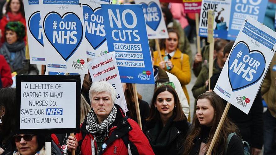 Gran manifestación en Londres en defensa de la sanidad pública británica
