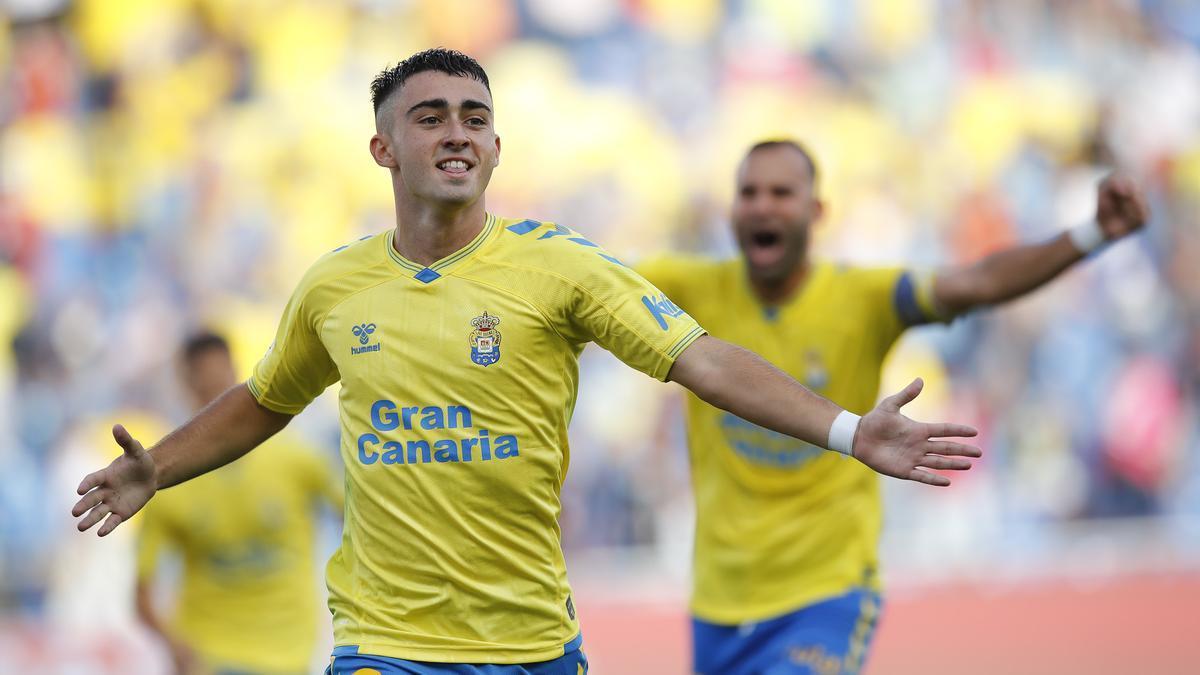 Moleiro, celebrando un gol con Las Palmas