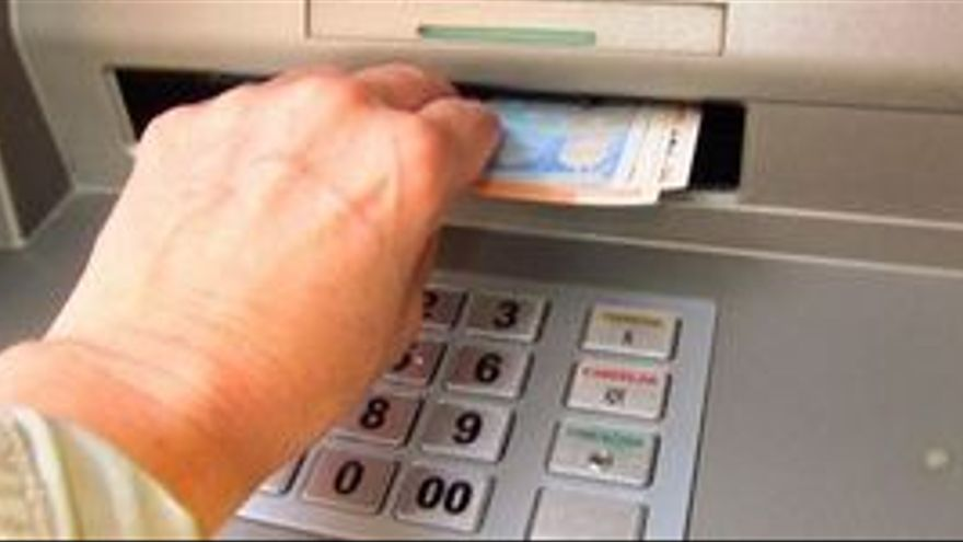 La banca española sufre una retirada de depósitos histórica