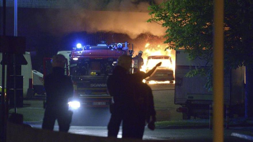 La periferia de Estocolmo registra disturbios por cuarta noche seguida