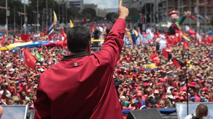 """""""En defensa de la revolución"""", los chavistas rechazan la manifestación vecina"""