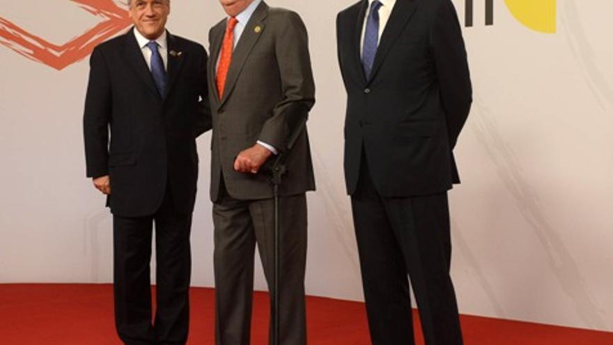 Piñera, Rajoy y el Rey en la Cumbre Iberoamericana de Cádiz