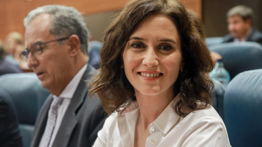El consejero de Educación, Enrique Ossorio, junto a Isabel Díaz Ayuso.