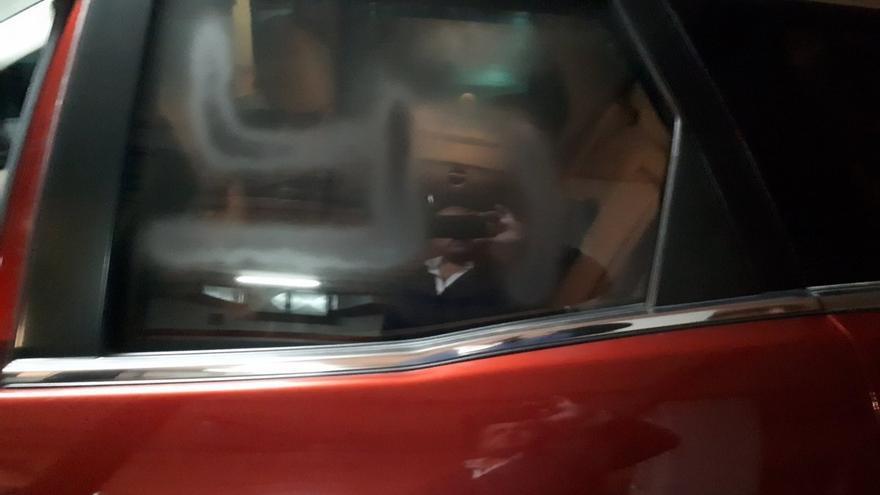 Pintan el coche de Alejandro Fernández (PP) con símbolos como una esvástica