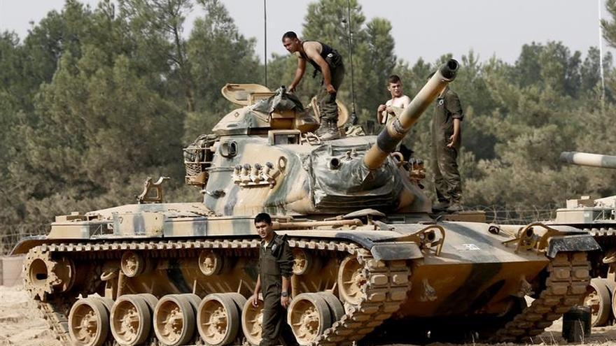 Turquía detiene a 34 extranjeros sospechosos de querer unirse al EI en Siria