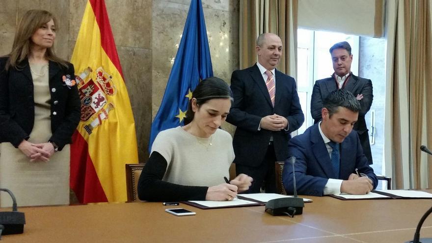 El Gobierno y Canarias firman un convenio de obras hidráulicas en las islas por 10 millones de euros