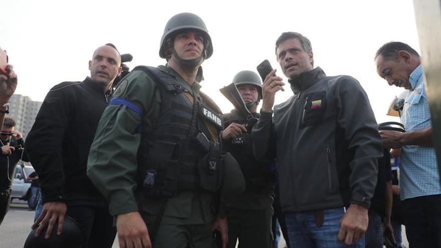 España confirma que Leopoldo López y su familia están en su embajada en Caracas
