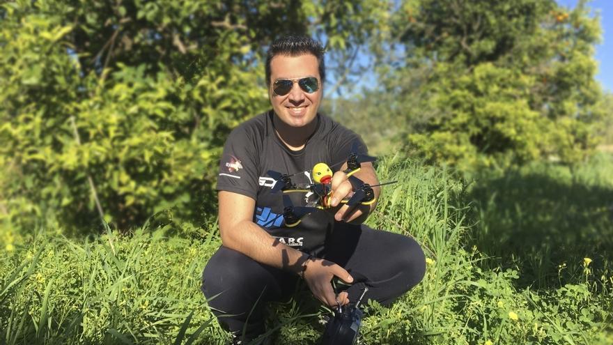 Francisco Javier Torres (Tarsso) es profesor de la Universidad de Sevilla además de piloto