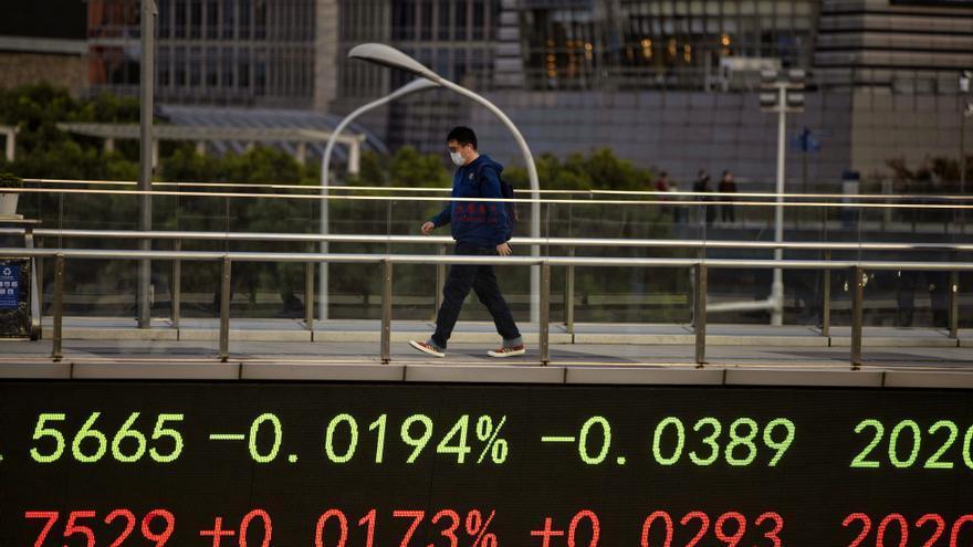 El Hang Seng baja un 0,6 % ante ralentización del sector manufacturero chino