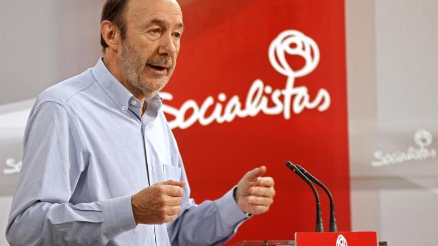 """Rubalcaba pide a las """"gargantas profundas"""" del PSOE que trabajen en las europeas"""