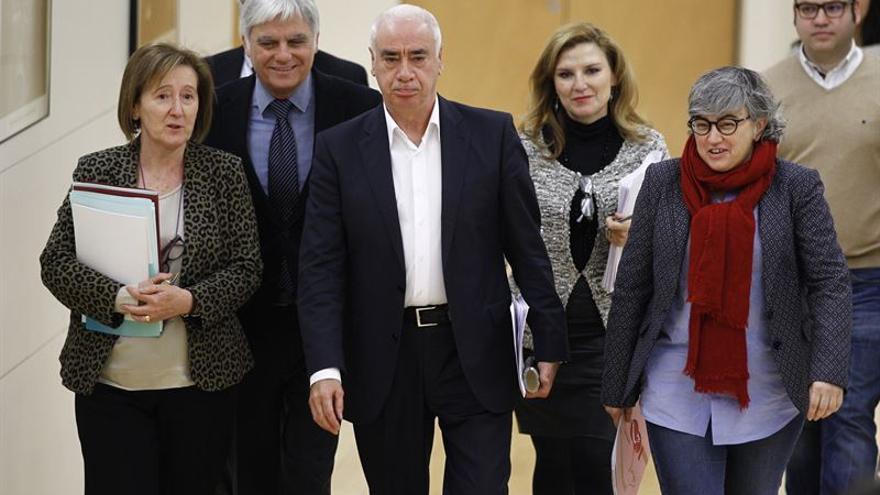 Representantes educativos de Andalucía, Cataluña, Canarias y Asturias, en su reunión de este lunes.