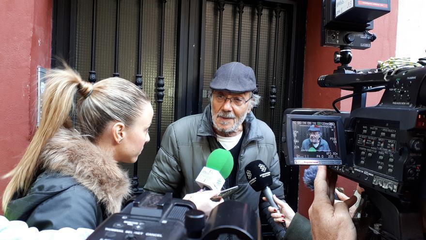 Antonio López, después de que se paralizara su desahucio   N.C.
