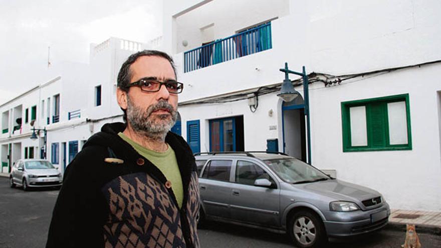 Alberto de Elías, afectado por la multa de 3.000 euros por hacer un asadero en las fiestas de Famara