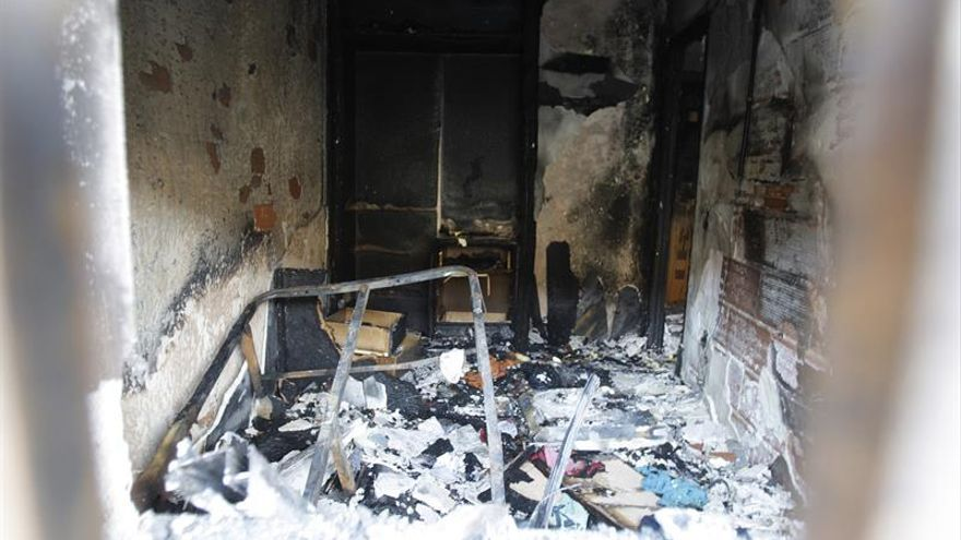Una fallecida y cuatro intoxicados en incendio de una vivienda en Salamanca