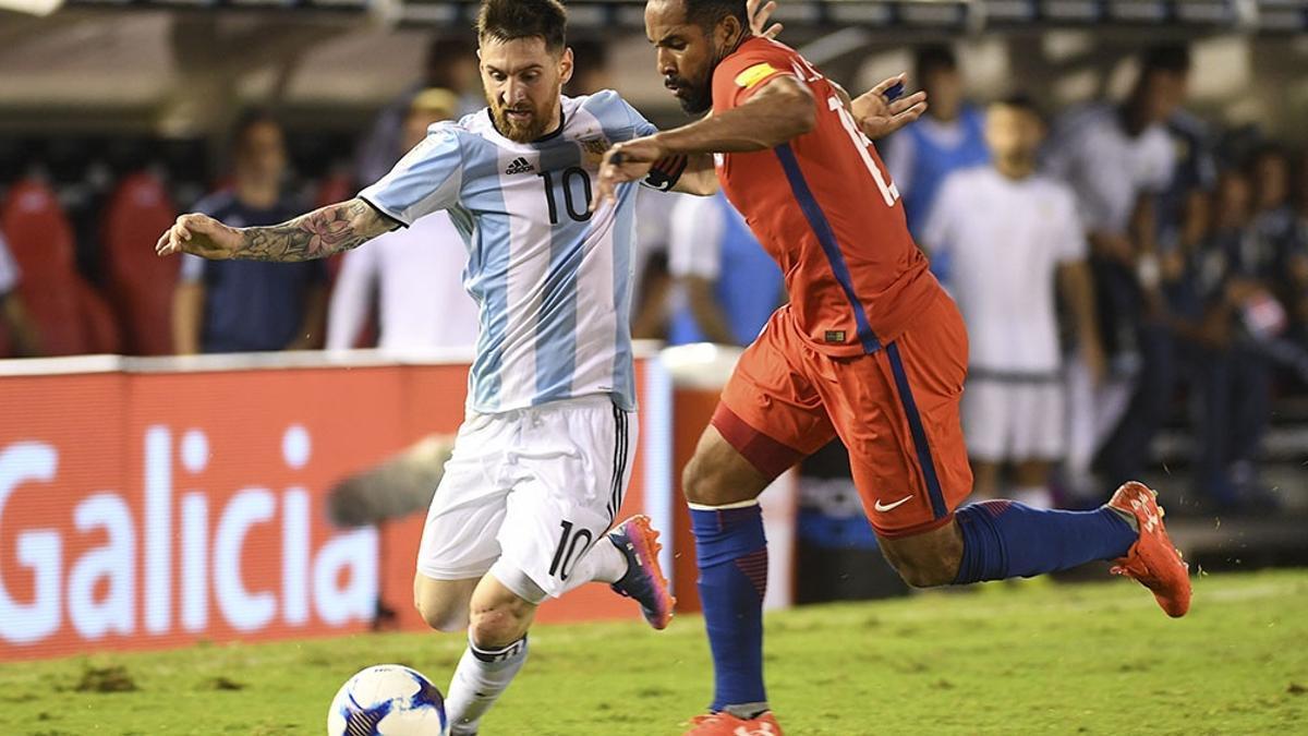 Argentina y Chile juegan desde las 21 en Santiago del Estero.