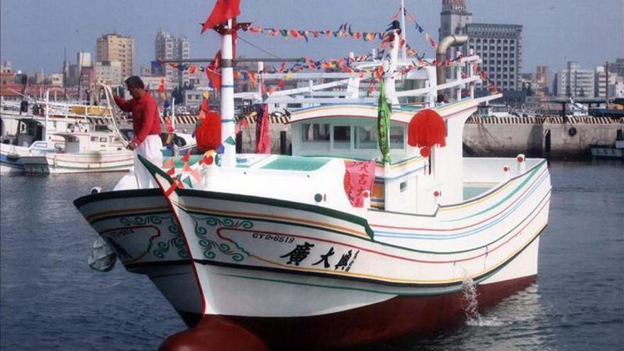 Taiwán envía barcos de guerra para apoyar a sus pesqueros junto a Filipinas
