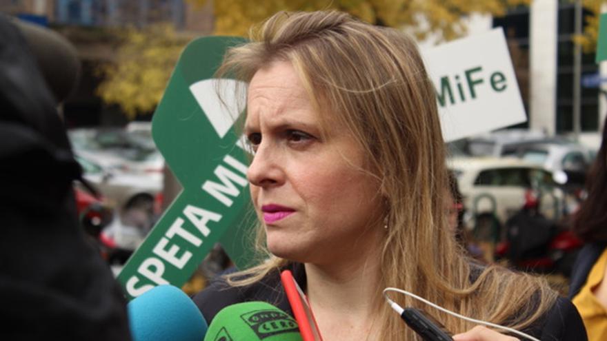 Polonia Castellanos, presidenta de Abogados Cristianos y representante legal de la acusación particular, antes de entrar al juicio celebrado en Sevilla el pasado 3 de octubre