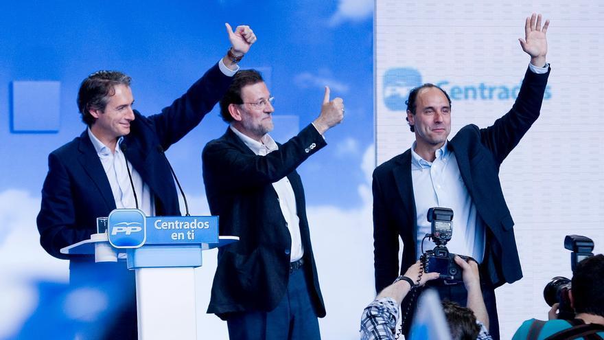 Íñigo de la Serna, Mariano Rajoy e Ignacio Diego durante la celebración de un mitin.