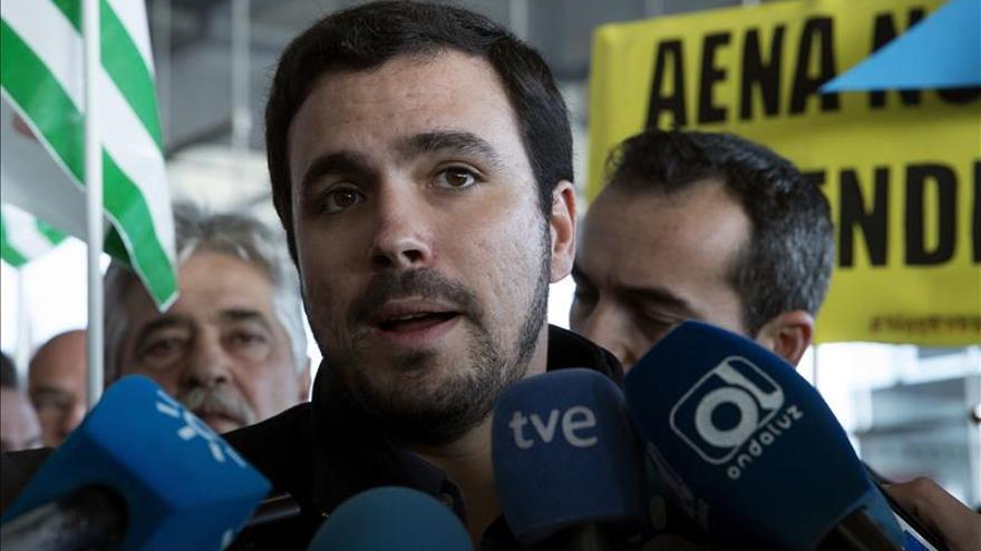 """Garzón no se plantea dejar IU y cree que Tania Sánchez ha sido una """"víctima"""""""