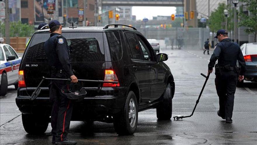 """La Policía busca a """"sospechosos"""" que merodeaban el mayor estadio de Toronto"""