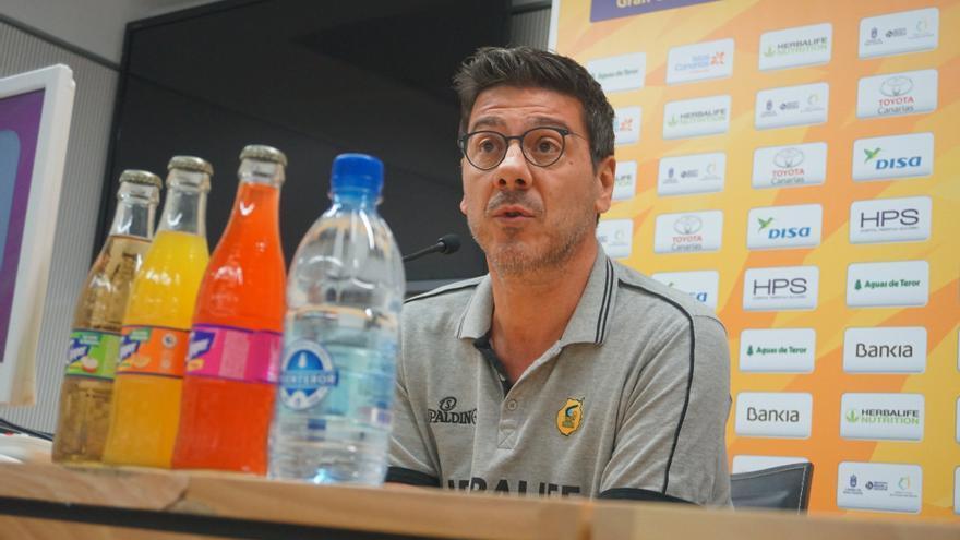 Fotis Katsikaris, en la rueda de prensa previa al partido frente al Valencia
