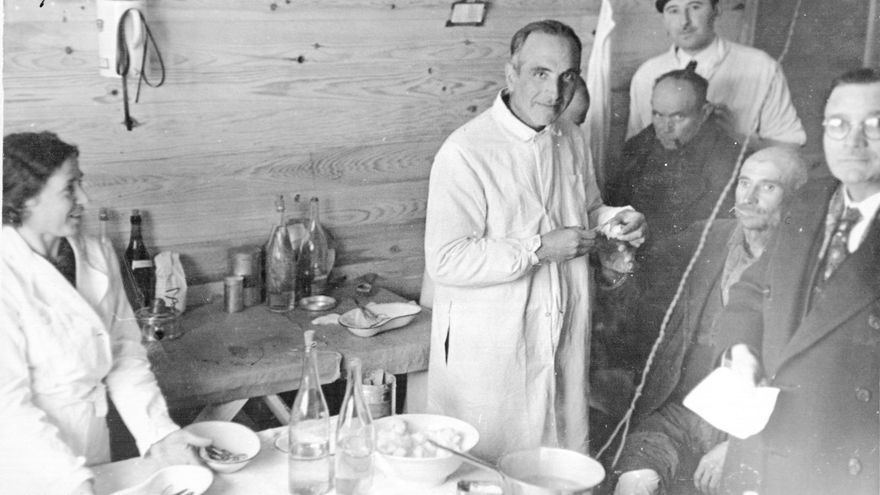 Consulta médica del campo de concentración de Bram. Marzo de 1939. Archives Départementales de l'Aude, 2 Fi 819