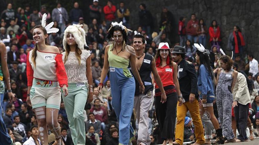 La capital mexicana gana el récord Guinness por el desfile más grande de moda urbana
