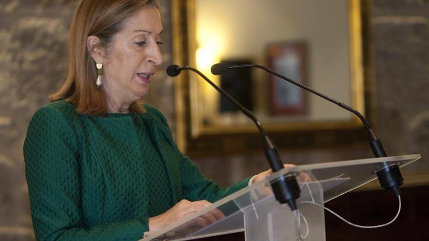Ana Pastor se reúne en el Congreso con el nuevo secretario general de CCOO