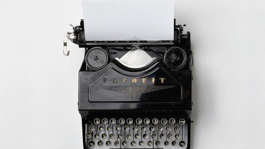 Máquina de escribir antigua. / Foto: Florian Klauer