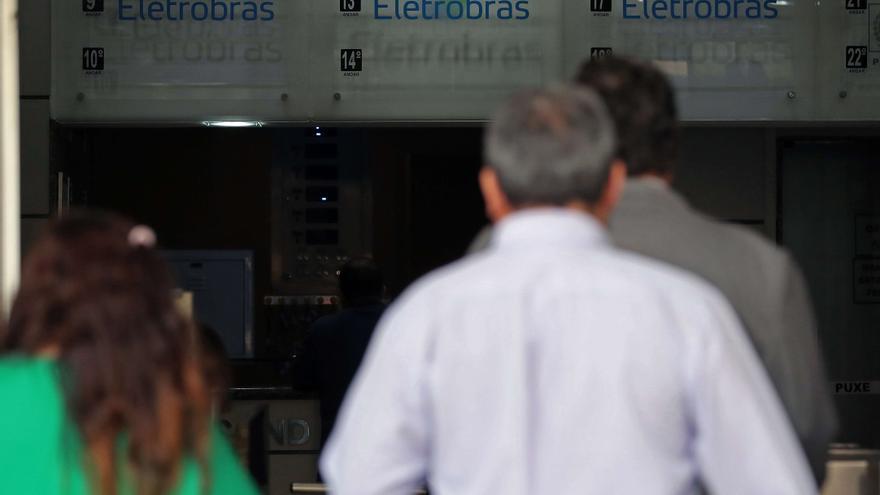 Brasil da un nuevo paso hacia la privatización de la empresa Eletrobras