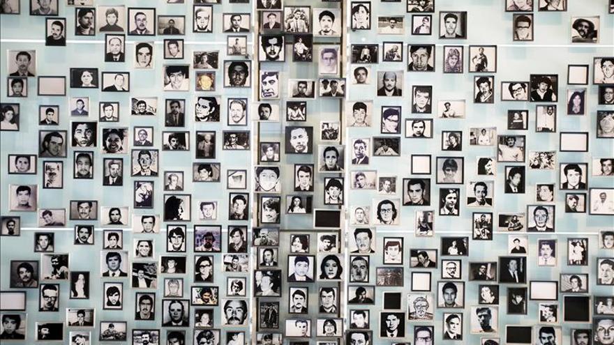 Condenan en Chile a siete militares por crímenes de la Caravana de la Muerte