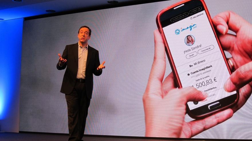(Amp.) CaixaBank lanza imaginBank, el primer banco en España sólo móvil dirigido a los jóvenes