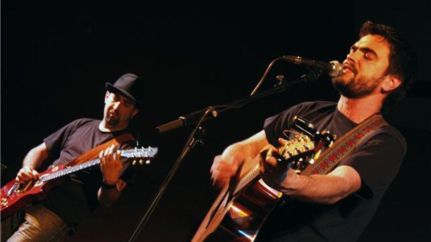 El cantautor murciano David Moya pone música a la campaña de Cambiemos Murcia