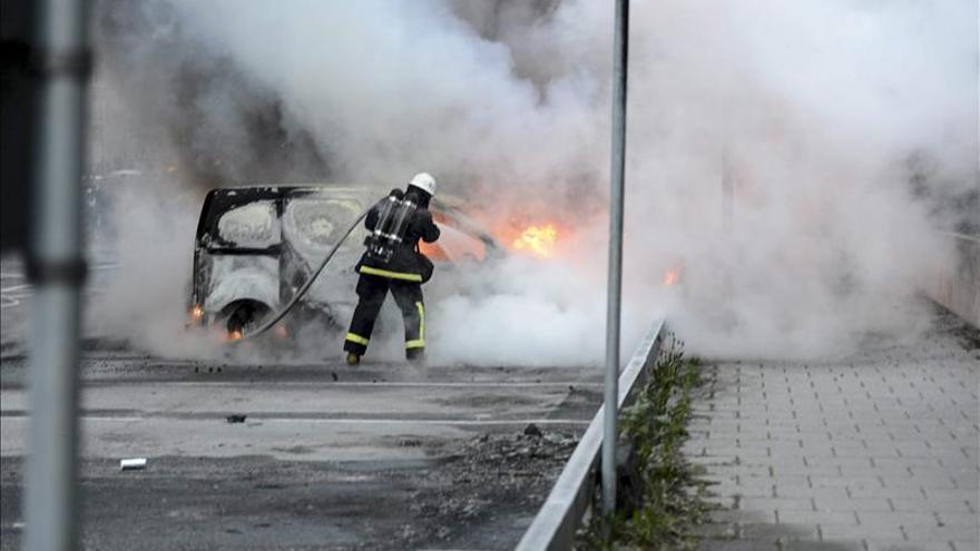 Los disturbios se extienden a otras ciudades suecas pero con menor intensidad