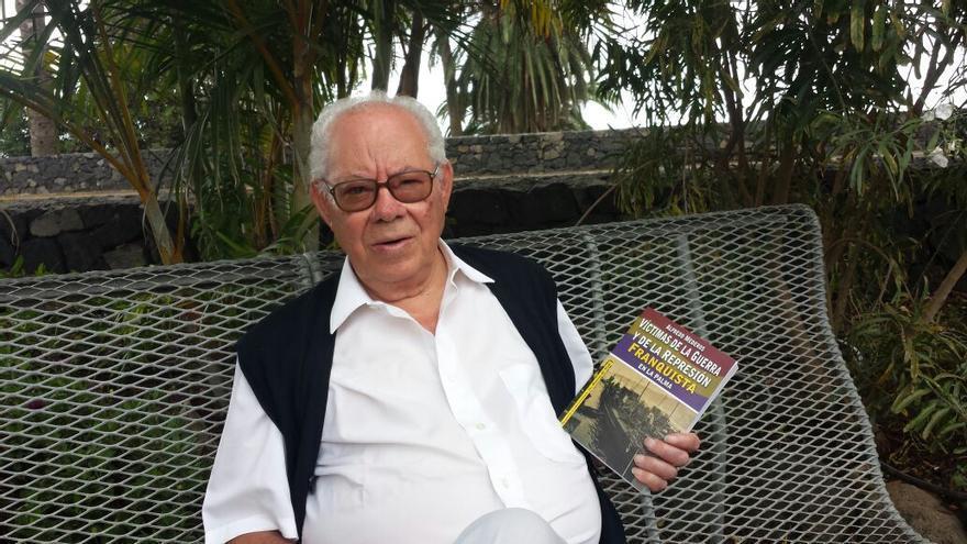Alfredo Mederos muestra su última obra sobre la Guerra Civil.