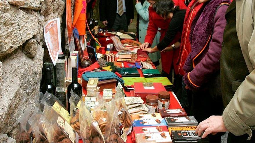 Intermón anima a practicar el comercio justo en defensa de derechos laborales