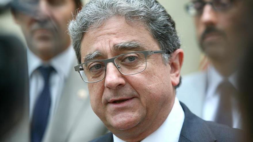 La delegación del Gobierno alerta por carta a alcaldes de que deben impedir el 1-O