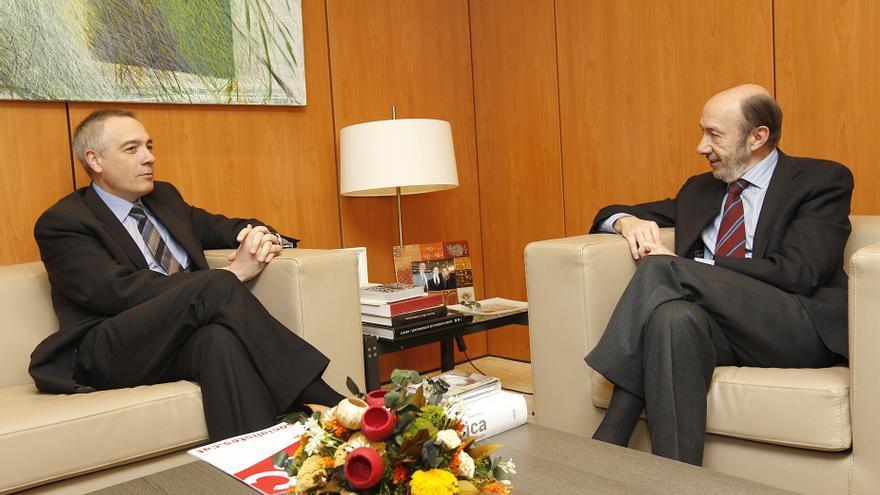 El PSOE pone reparos a la propuesta del PSC para una reforma federal de la Constitución