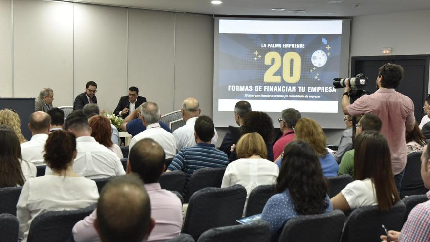 Uno momento de jornadas '20 formas de financiar tu empresa', organizadas por el Cabildo de La Palma y la Asociación para el Desarrollo Rural'