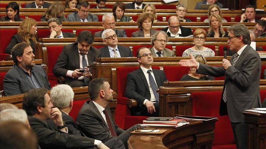 """CiU y ERC aprueban los presupuestos que la oposición ve como un """"fraude"""""""