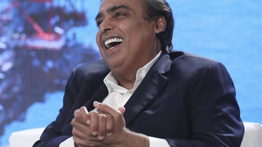 """Reliance revoluciona mercado de internet indio con smartphone a """"coste cero"""""""