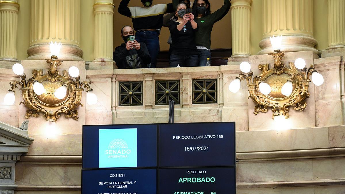Con apoyo del oficialismo y de varios senadores opositores se votó en el Senado la ley de cannabis industrial.
