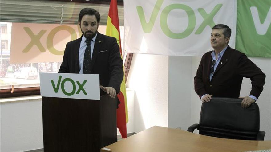 El Supremo permite a Vox distribuir propaganda electoral con la bandera española