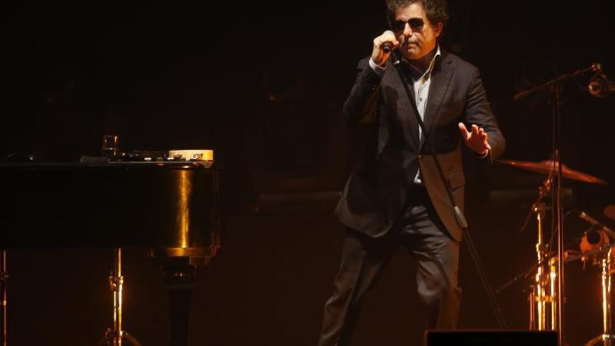 """Calamaro anuncia los 5 primeros conciertos en España de """"Cargar la suerte"""""""