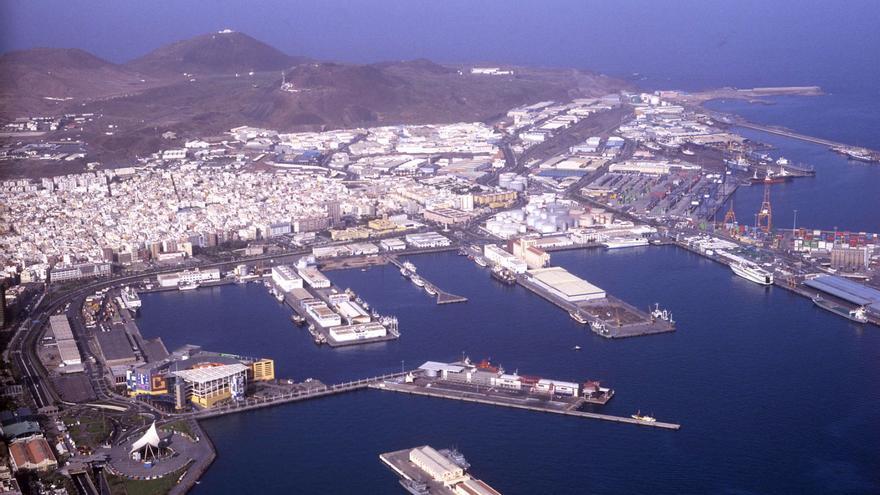 Panorama del puerto de La Luz y Las Palmas