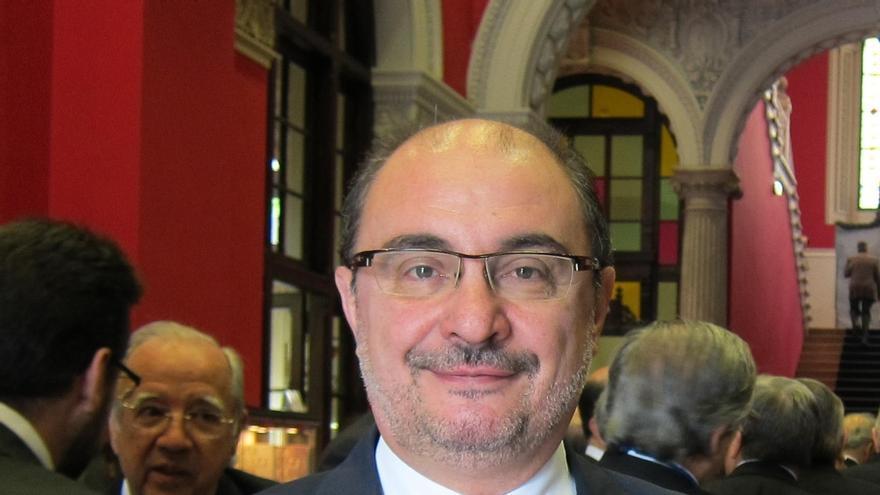 """Lambán defiende que el PSOE está """"en la oposición"""" y, también por eso, tiene que votar no a Rajoy"""