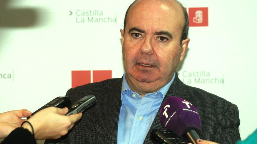 """Zarrías dice que PSOE llevará al Constitucional la Ley de Régimen Local """"si sale de las Cortes en los términos que está"""""""